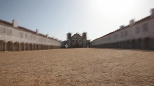ランニングを振る - 女子修道院点の映像素材/bロール