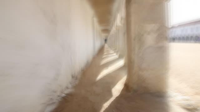 ランニングの colums - 女子修道院点の映像素材/bロール