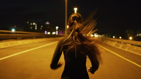 vídeos de stock e filmes b-roll de running is a great way to clear the mind - young women