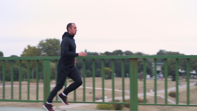 stockvideo's en b-roll-footage met hardlopen is mijn passie - cardiovasculaire training