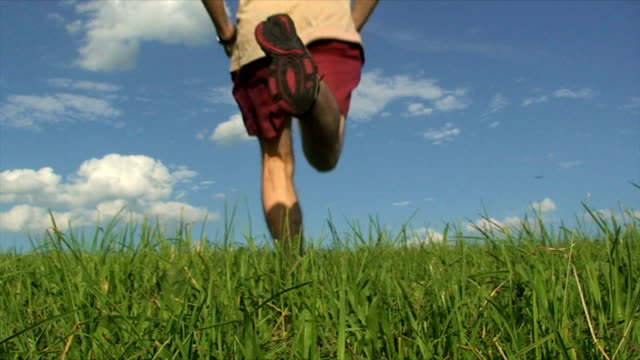 vidéos et rushes de running homme - en individuel