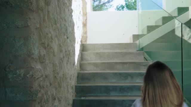 running up stairs - 12 13 år bildbanksvideor och videomaterial från bakom kulisserna