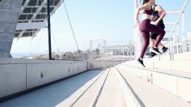 vídeos y material grabado en eventos de stock de corriendo - deportista