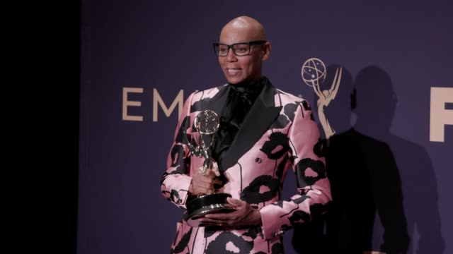 vídeos y material grabado en eventos de stock de rupaul at the 71st emmy awards - press room at microsoft theater on september 22, 2019 in los angeles, california. - premio emmy anual primetime