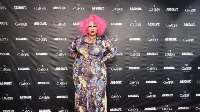 """rupaul's drag race"""" season four contestant madame laqueer attends the one-year anniversary party at the garden las vegas on june 11 in las vegas,... - celeb stock videos & royalty-free footage"""