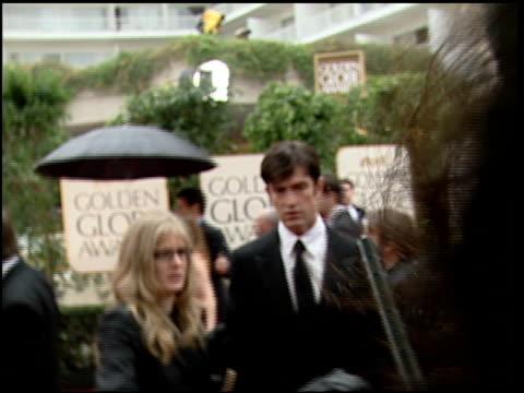 stockvideo's en b-roll-footage met rupert everett at the 2000 golden globe awards at the beverly hilton in beverly hills california on january 23 2000 - rupert everett