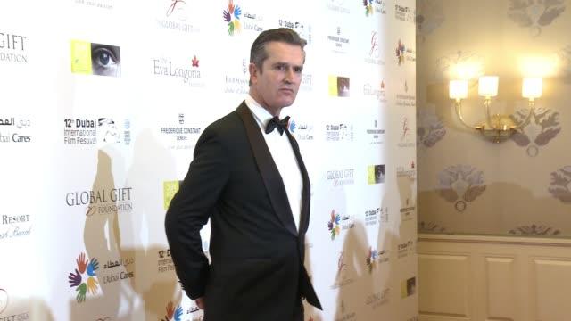 stockvideo's en b-roll-footage met rupert everett at the global gift gala 12th annual dubai international film festival on december 12 2015 in dubai united arab emirates - rupert everett