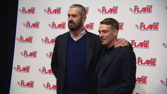 stockvideo's en b-roll-footage met rupert everett edwin thomas at 'the happy prince' uk premiere at bfi southbank on march 28 2018 in london england - rupert everett