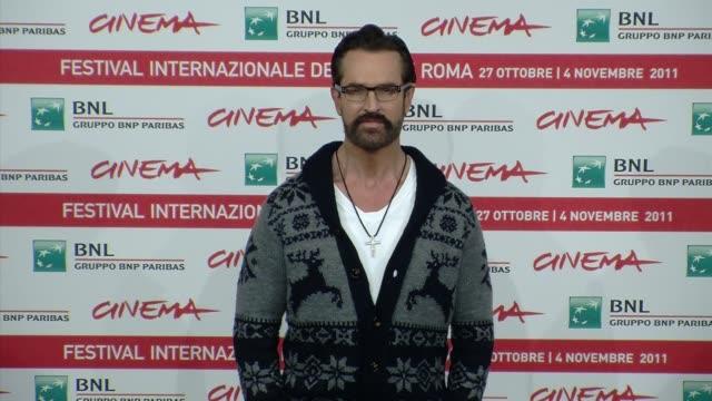 stockvideo's en b-roll-footage met 6th rome international film festival on october 28 2011 in rome italy - rupert everett