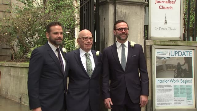 vídeos y material grabado en eventos de stock de rupert murdoch and jerry hall hold service of celebration for their marriage arrivals departues england london ext photographers outside st bride's... - alan yentob