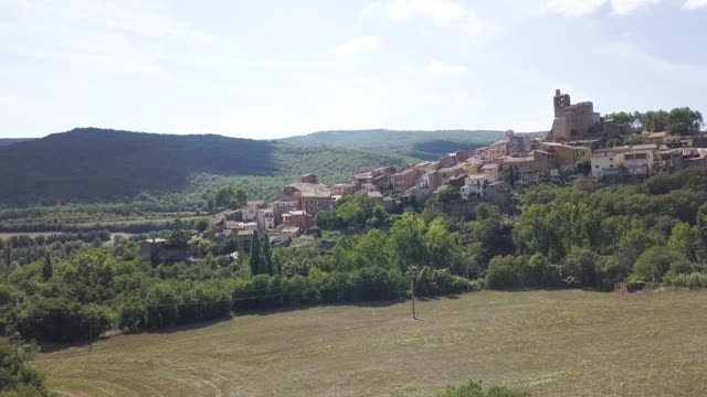 rural town in spain, aerial - famous place点の映像素材/bロール