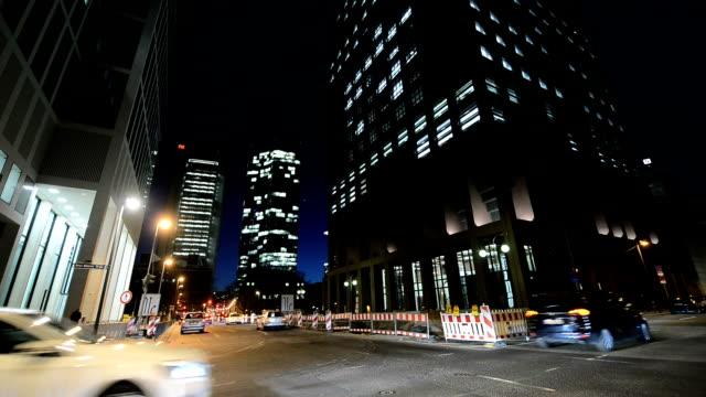 rush hour frankfurt am Main in der Abenddämmerung hd