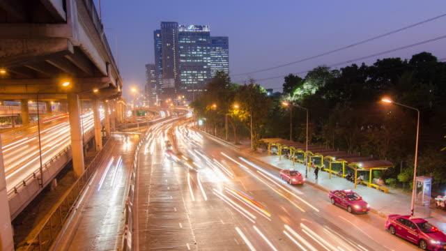 Heures de pointe dans le centre de central city, Time-lapse de mouvement, 4 k (UHD