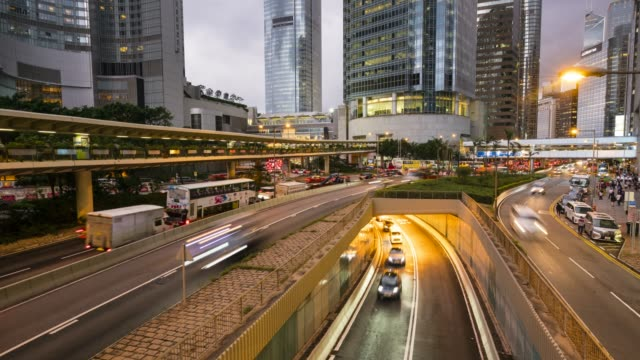 stockvideo's en b-roll-footage met rush hour traffic in central, hong kong's financial district, time lapse, hong kong, china, asia - hong kong