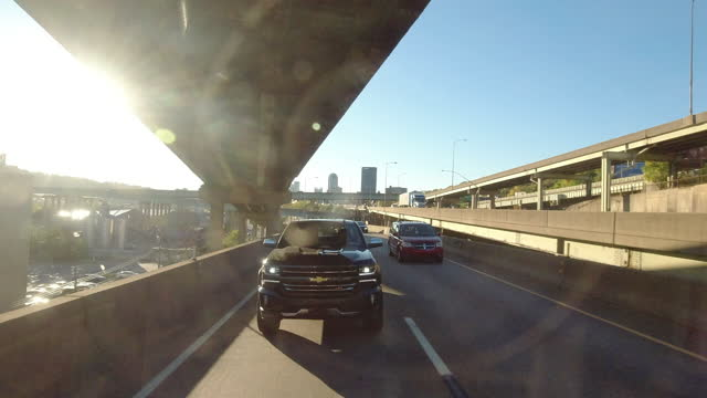 rush hour traffic in pittsburgh at sunset amid the 2020 global coronavirus pandemic. - american interstate stock videos & royalty-free footage