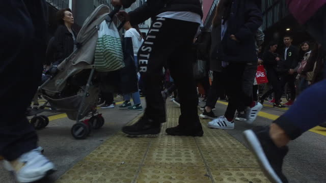 rush hour - pedestrian stock videos & royalty-free footage
