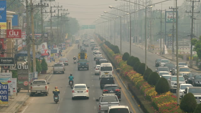 4k tl rush hour with air pollution. - smog stock videos & royalty-free footage