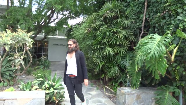 russell brand shopping in beverly hills in celebrity sightings in los angeles - russell brand stock videos and b-roll footage