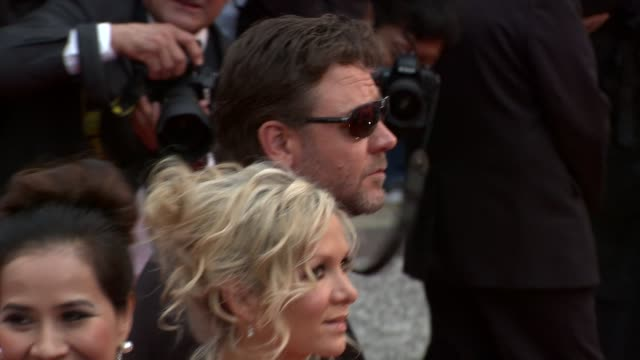 russell crowe and wife danielle spencer at the robin hood red carpet: cannes film festival 2010 at cannes . - russell crowe stock videos & royalty-free footage