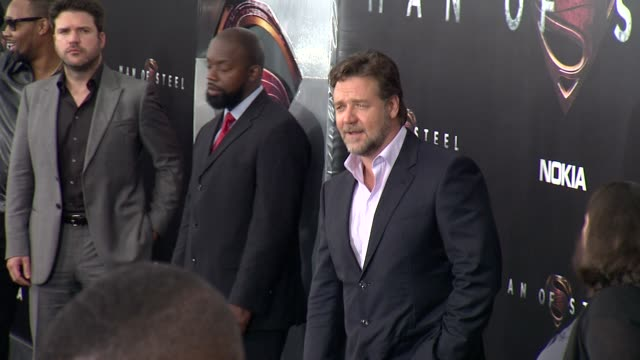 """stockvideo's en b-roll-footage met russell crowe at """"man of steel"""" world premiere - arrivals at alice tully hall, lincoln center on june 10, 2013 in new york, new york - russell crowe"""