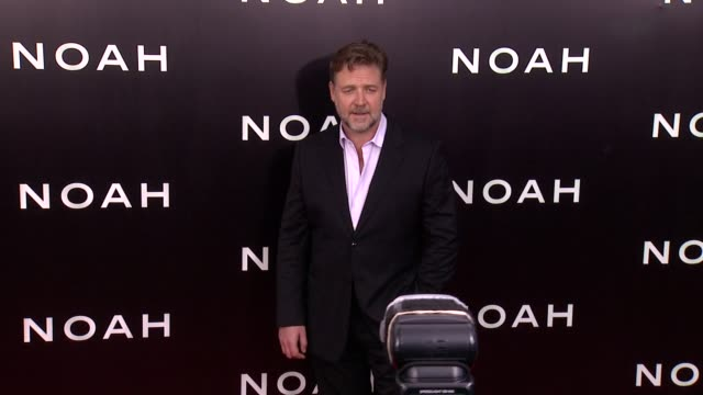 """russell crowe at """"noah"""" new york premiere - arrivals at ziegfeld theater on march 26, 2014 in new york city. - russell crowe stock videos & royalty-free footage"""