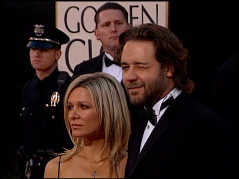 russell crowe at the 2002 golden globe awards at the beverly hilton in beverly hills california on january 20 2002 - russell crowe stock videos & royalty-free footage