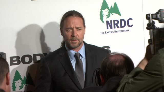 russell crowe at the body of lies - new york premiere at new york ny. - russell crowe stock videos & royalty-free footage