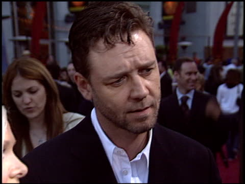russell crowe at the 'cinderella man' premiere at gibson amphitheatre in universal city california on may 23 2005 - russell crowe stock videos & royalty-free footage