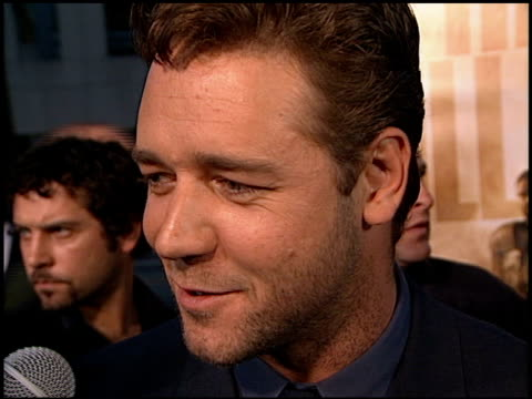 Russell Crowe at the 'Gladiator' Premiere at Academy Theater in Beverly Hills California on May 1 2000
