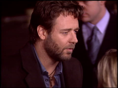 russell crowe at the 'master and commander' premiere on november 9 2003 - russell crowe stock videos & royalty-free footage