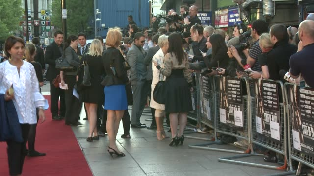 russell crowe & helen mirren at the state of play world premiere at london . - russell crowe stock videos & royalty-free footage