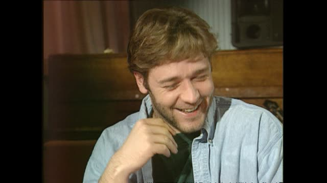 russell crowe speaking in 1995 about the nature of getting actual film work rather than just having meetings, and breaking through thanks to sharon... - russell crowe stock videos & royalty-free footage