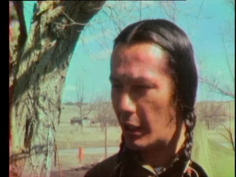 stockvideo's en b-roll-footage met russell means of the american indian movement speaks about the stand-off at wounded knee, saying he'd rather die than submit to slavery. - 1973