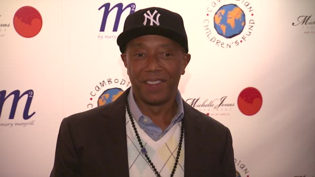vídeos y material grabado en eventos de stock de russell simmons at an evening to raise awareness and celebrate cambodian children's fund at tribeca rooftop on april 10 2012 in new york new york - russell simmons