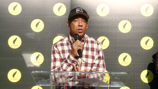 vídeos de stock e filmes b-roll de speech russell simmons at art for amnesty's pregolden globes recognition brunch in los angeles ca - prémio globo de ouro