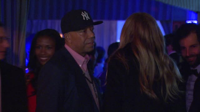 vídeos y material grabado en eventos de stock de russell simmons at the hollywood domino bovet 1822 gala benefiting artists for peace and justice on 2/21/13 in west hollywood ca on 2/21/13 in west... - russell simmons