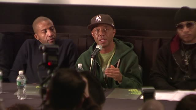 vídeos y material grabado en eventos de stock de russell simmons explains how globalgrindcom will help to refine and position the view points of hip hop to the world at the russell simmons announces... - russell simmons