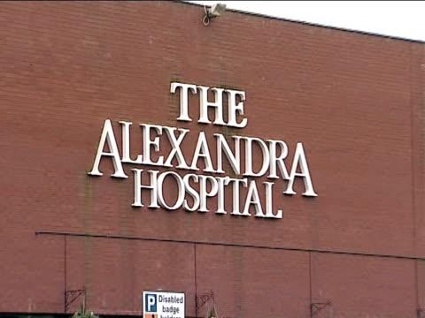 vídeos de stock, filmes e b-roll de russell watson in hospital following operation to remove brain tumour cheshire ext alexandra hospital building - tumor cerebral