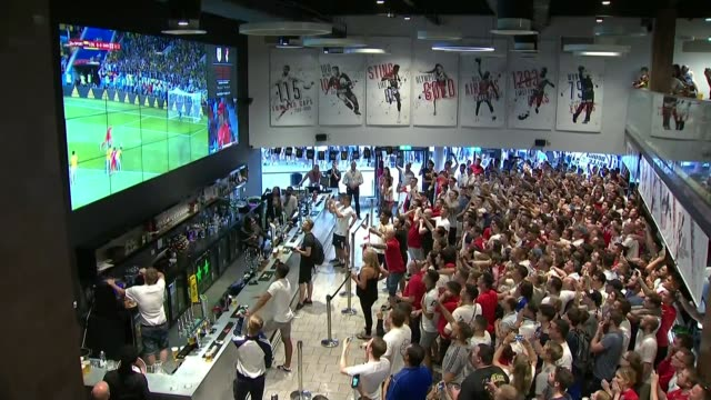 england beat colombia fan reaction in england england bristol int large crowd of england fans cheer harry kane penalty goal for england as watching... - harry kane soccer player stock videos & royalty-free footage