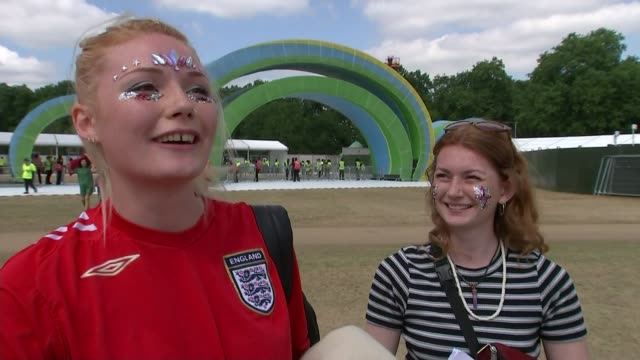 england prepares for semifinal against croatia england london hyde park ext various shots england fans singing 'it's coming home' sot vox pops... - fifa world cup 2018 stock videos & royalty-free footage
