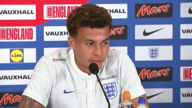 russia 2018 world cup: england train ahead of colombia match; russia: st petersburg: repino: ext dele alli along int dele alli press conference sot... - itv weekend late news点の映像素材/bロール
