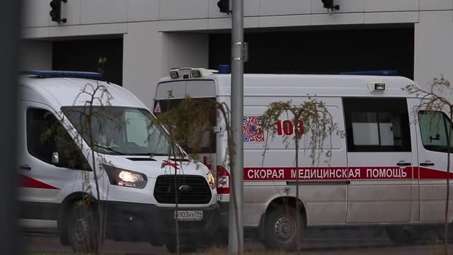vídeos de stock, filmes e b-roll de russia on thursday, nov. 5, reported 19,404 new coronavirus cases and 292 deaths. according to the country's emergency task force, the total number... - rússia