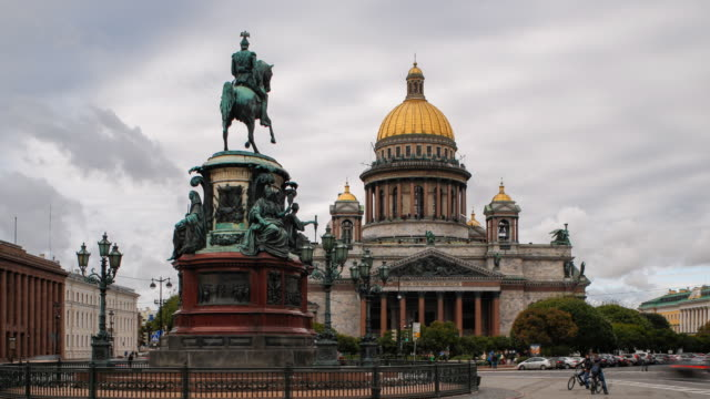 russia, saint petersburg, golden dome of st isaac's cathedral (1818) and the equestrian statue of tsar nicholas (1859) - time lapse - dome stock videos & royalty-free footage