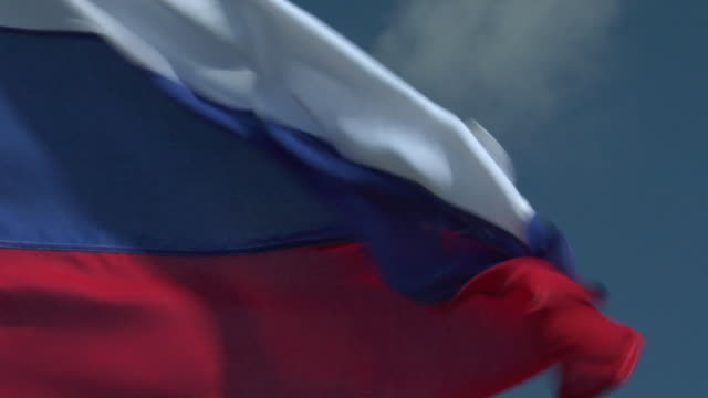 ecu, zo, russian flag flapping against sky - russian flag stock videos & royalty-free footage