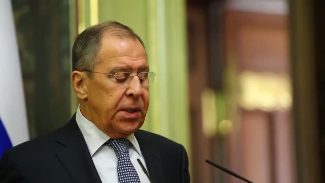 vídeos de stock e filmes b-roll de russian foreign minister sergey lavrov meets with his jordanian counterpart ayman safadi in moscow, russia on december 28, 2018. russia sees turkey's... - cargo governamental