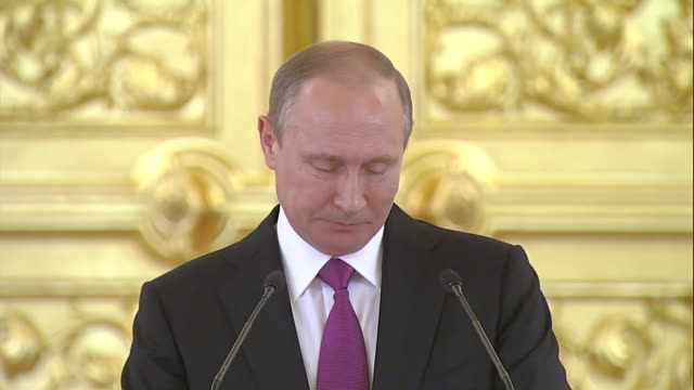 russian president vladimir putin delivers a speech during a reception for the russian olympics team at the kremlin in moscow russia on july 27 2016 - wladimir putin stock-videos und b-roll-filmmaterial