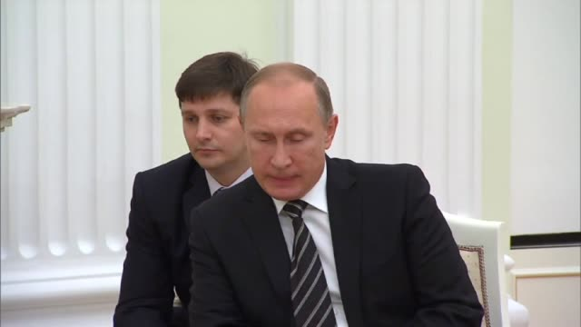 russian president vladimir putin meets with syrian president bashar alassad at the kremlin palace in moscow russia on october 21 2015 russian prime... - wladimir putin stock-videos und b-roll-filmmaterial