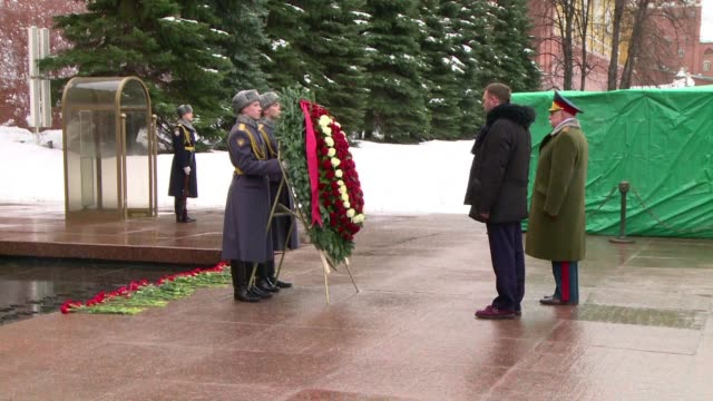 russian soldiers attend a wreath laying ceremony at the tomb of the unknown soldier in moscow to mark the 30th anniversary of the soviet withdrawal... - unknown russian soldier stock videos & royalty-free footage