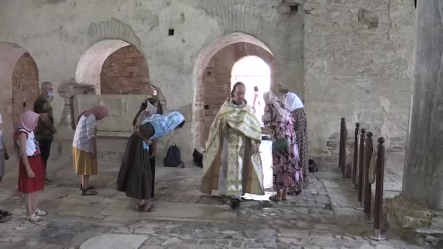 russians living in turkey held rite at st. nicholas church and museum in demre district of antalya on july 14, 2020. many christians attend a rite in... - 作法点の映像素材/bロール