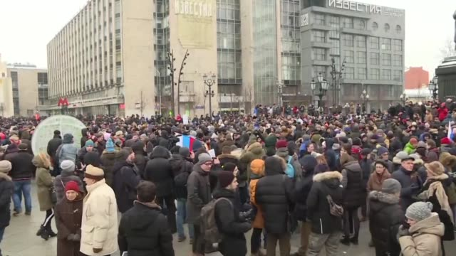 russians rally across the country to protest upcoming pseudo elections galvanized by opposition leader alexei navalny - russian ethnicity stock videos & royalty-free footage